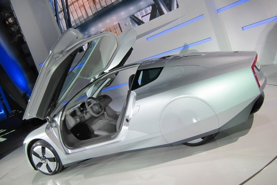 Volkswagen XL1 doors open