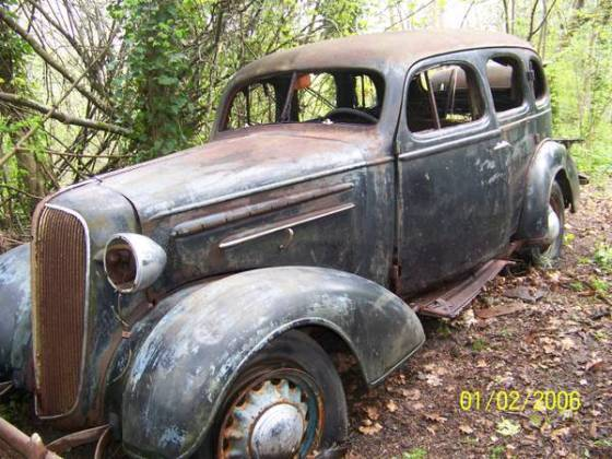 1936 chevy sedan 4dr rusty