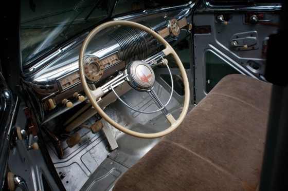1939-pontiac-plexiglass-ghost-car-see-through-15