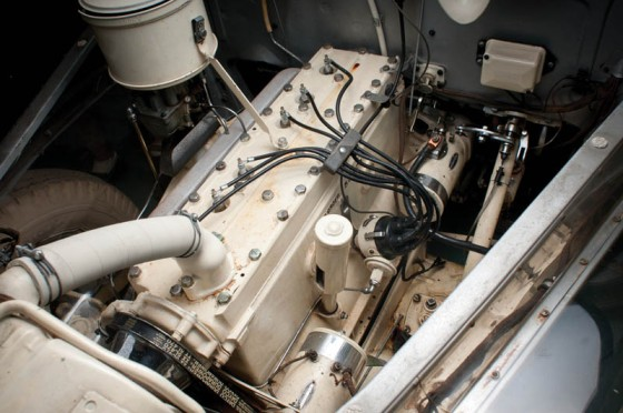 1939-pontiac-plexiglass-ghost-car-see-through-6